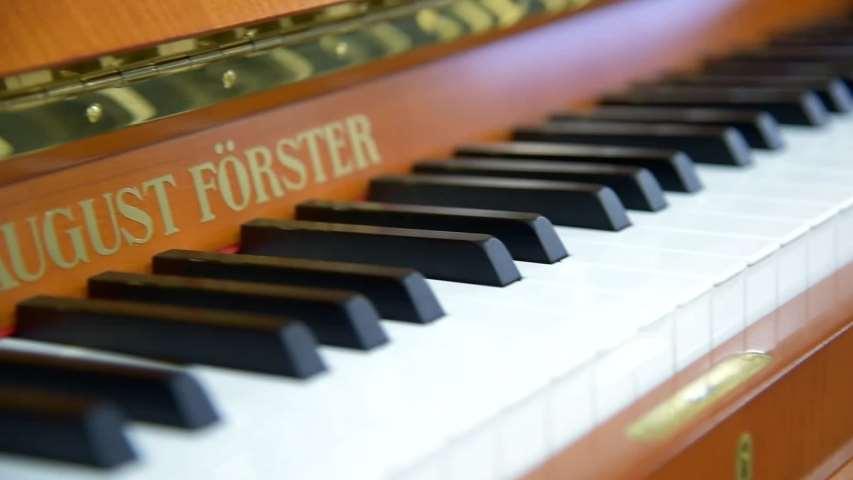Video 1 Klaviere Düsseldorf Schröder