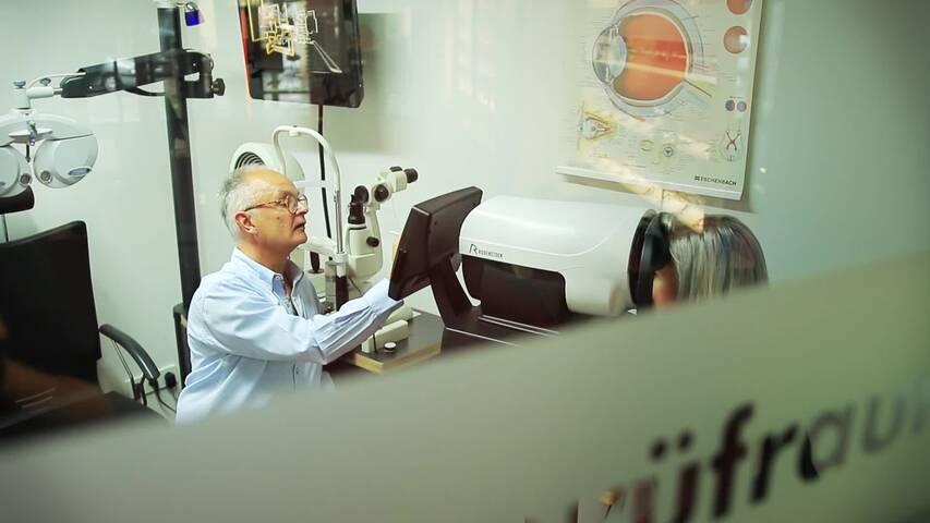 Video 1 Brillenanpassung Optik Müller Brillen